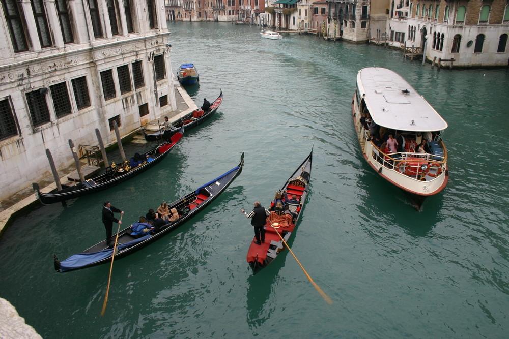* Venedig,  Zeit ... und Platz ...*