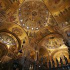Venezia, San Marco: il cielo dorato