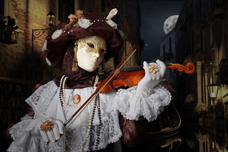 Venezianische Geigenspielerin