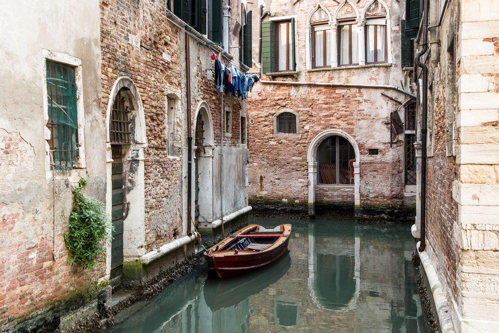 Venice 52