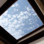 Ventana desde la Alhambra al cielo