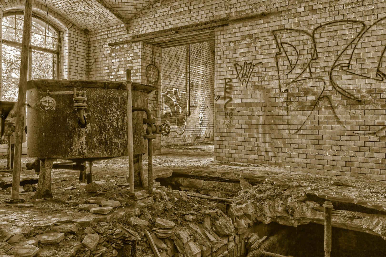 Verfallene Großküche einer ehemaligen Heilstätte