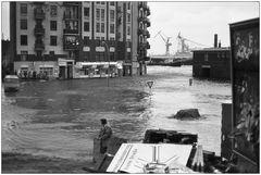 Verkehrsbehinderung wg. breiter Wasserstraße (Serie 4/10)