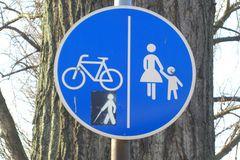 Verkehrszeichen am Oberkassler Rheinufer