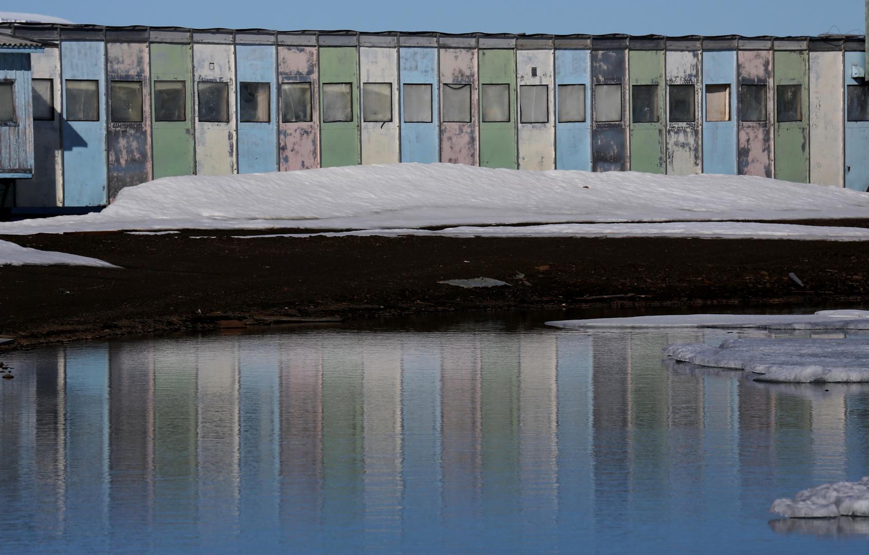 verlassene Unterkünfte in der Arktis