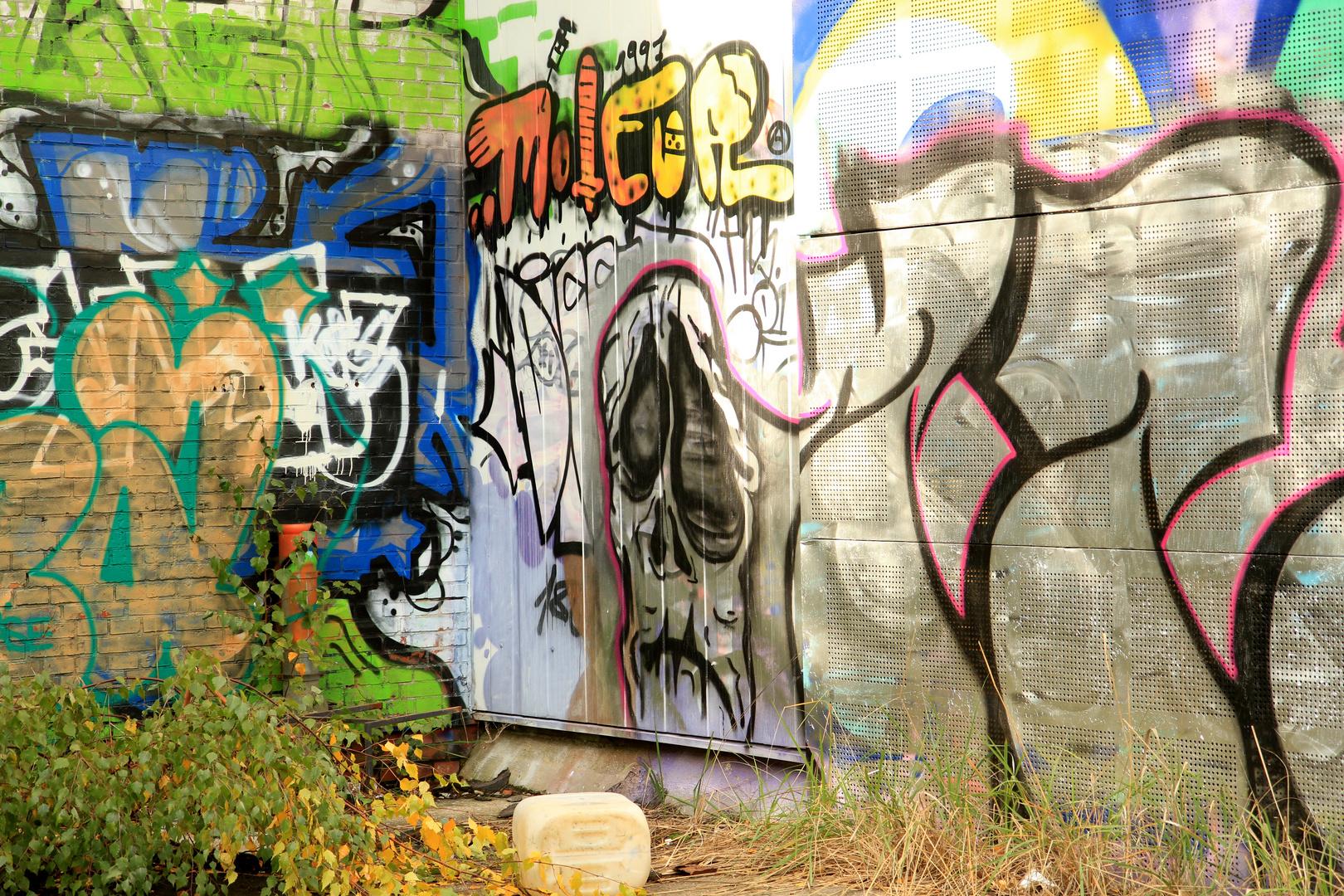 Verlassenes Bahnhofsgelände Graffiti 1