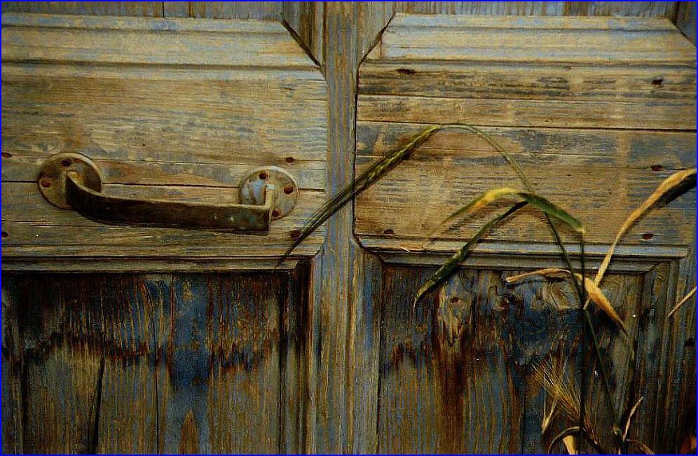 verlassenes Haus geschlossene Tür