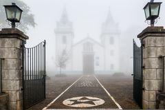 Vernebelte Kirche