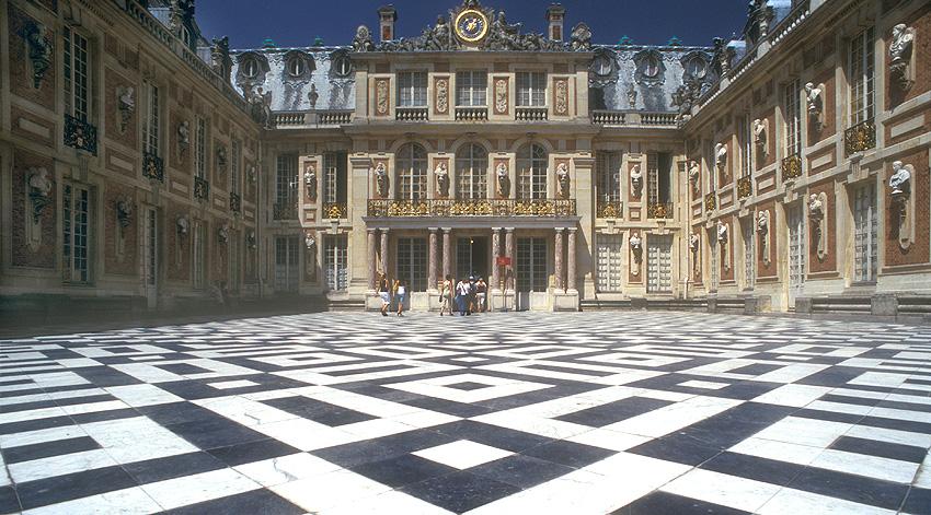 Versailles - La Cour Royale