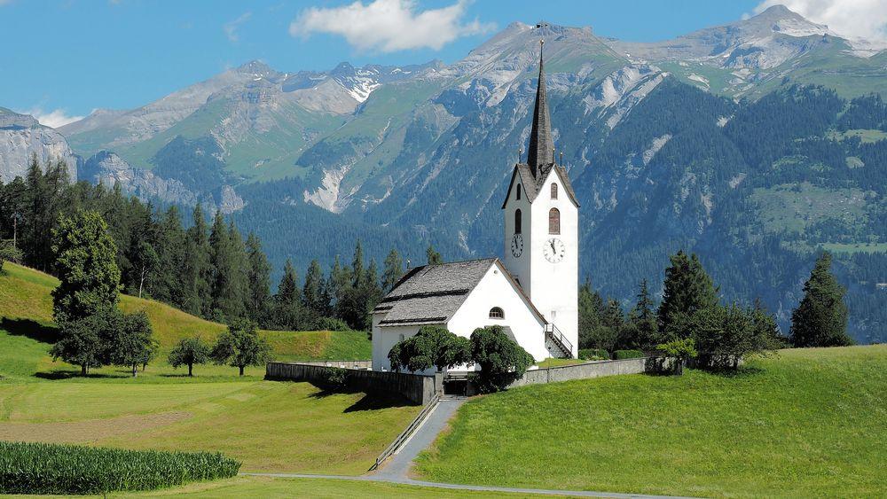 Versam Kirche im Savien-Tal