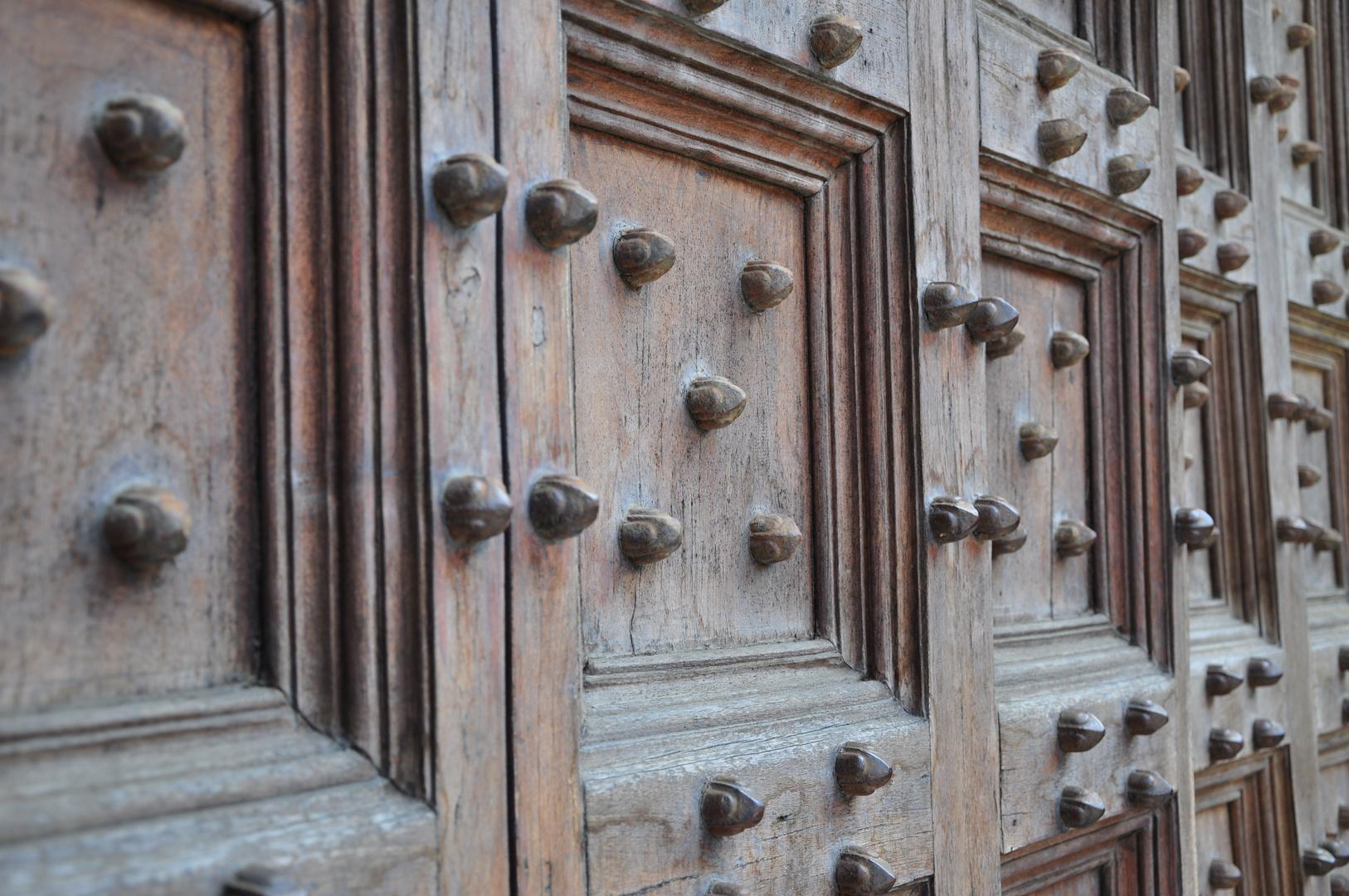 Verschlossene Festungstüren
