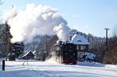 Verschneiter Jonsdorfer Bahnhof