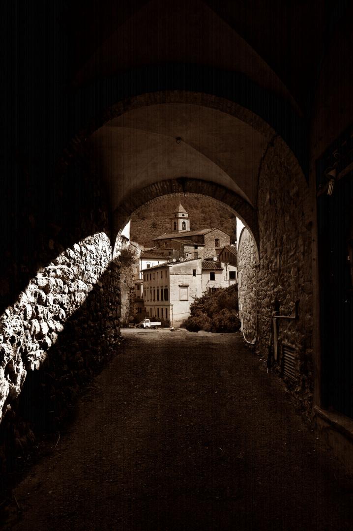 .... verso la Chiesa di Montemagno