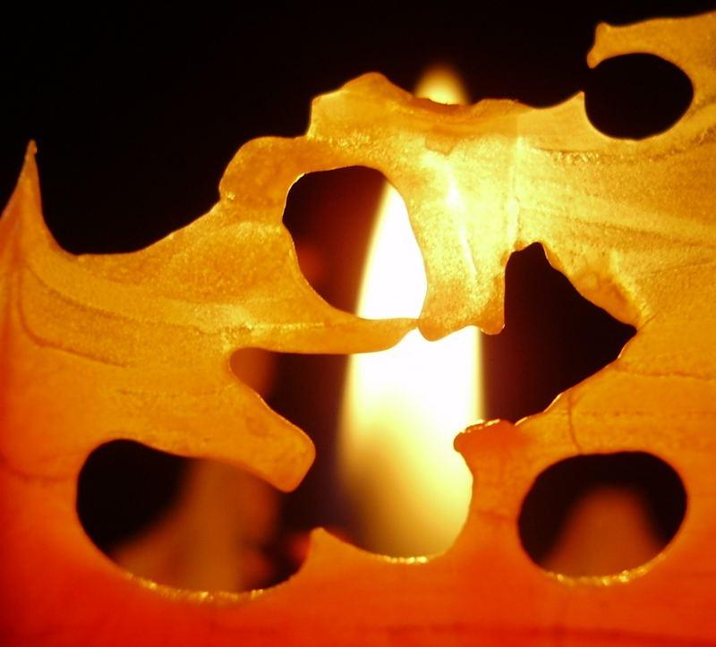 versteckter Kerzenschein