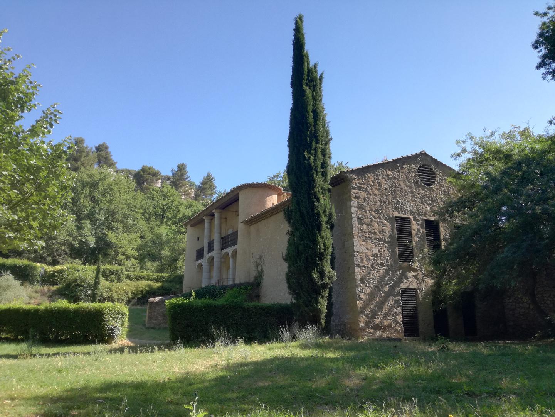 Vert Provence ! château du Roi René vers Aix en Provence
