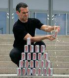 verteidigungsminister gegen cola-dose