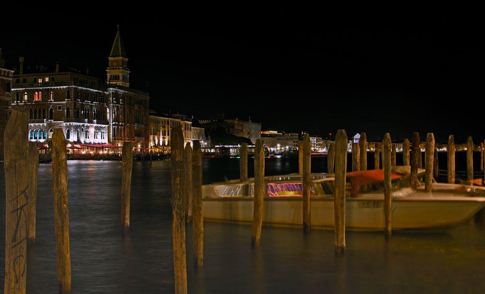 Verträumte Nacht im Mai in Venedig