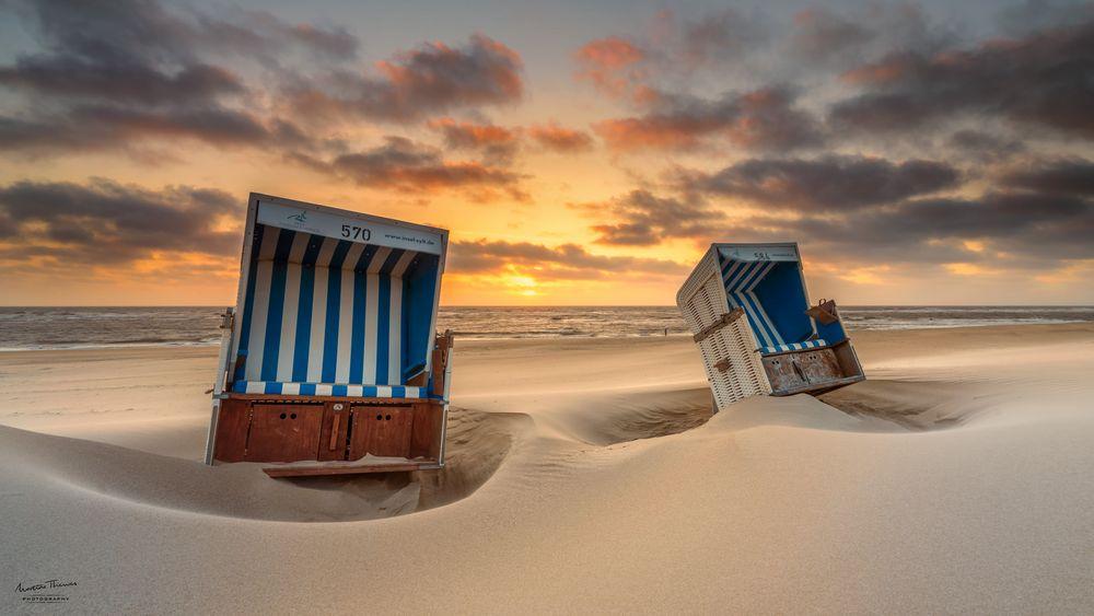 Verwehte Strandkörbe auf Sylt