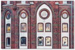 Verzierte Backsteinfassade