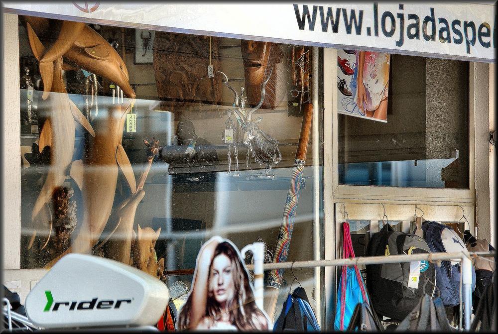 Vetrina . Shop window.