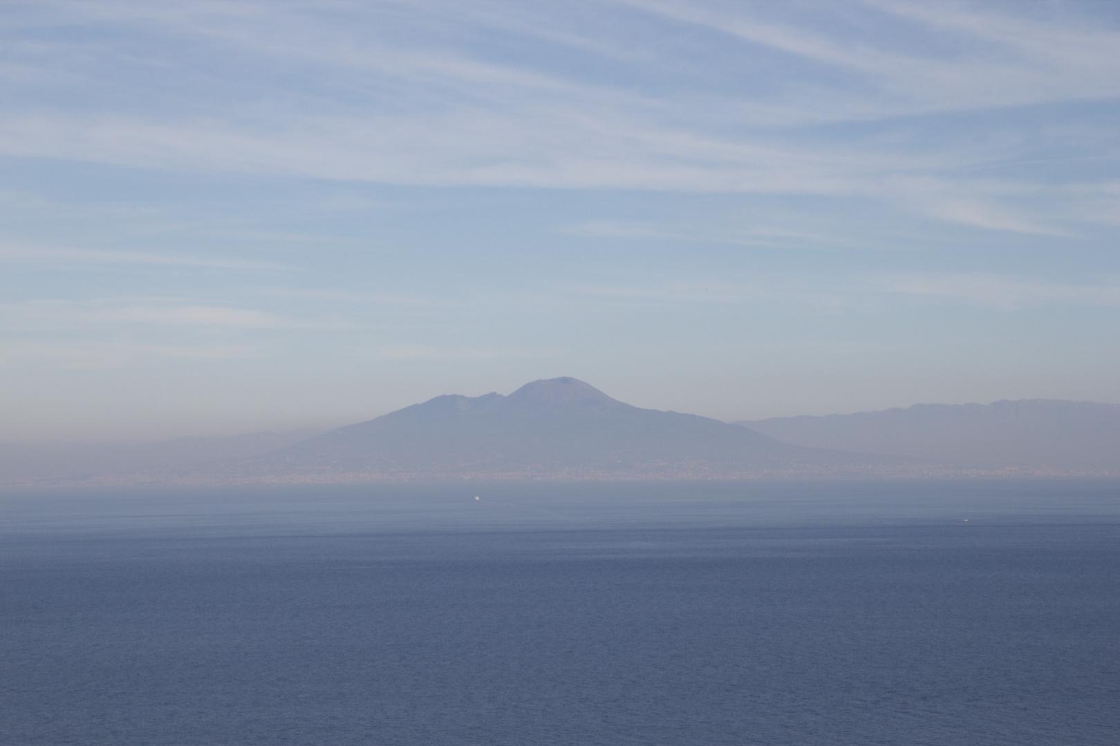 Vezuv from Capri 2010