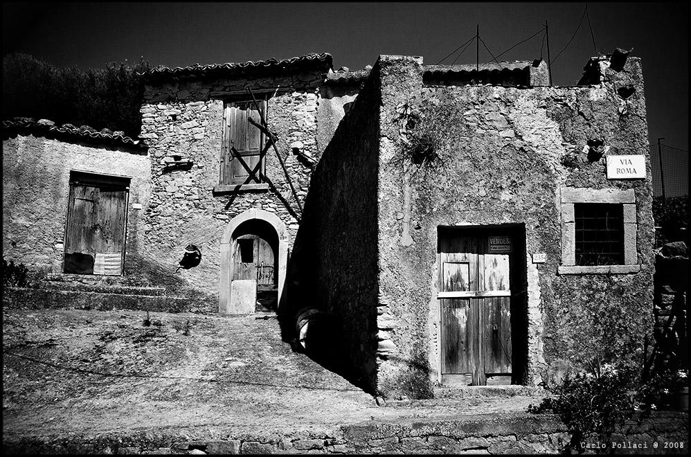 Via Roma (tutto in vendita)