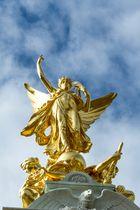 VICTORIA MEMORIAL am Buckingham Palace in London