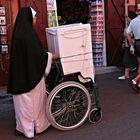 Vieltauglichkeit eines Rollstuhls / multiaptidud de una silla de ruedas/