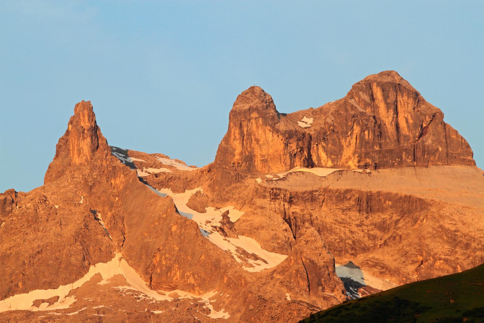 Vier Türme in den Alpen