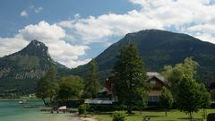 Villa mit Berg