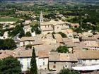Village blotti autour de son église