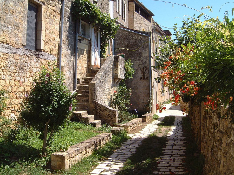 Village fleuri de Dordogne