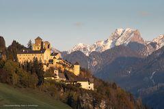 Villgratental Osttirol, Burg Heinfels