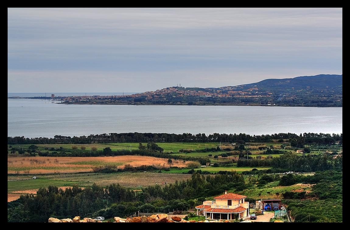 Vista sul mare ( in lontananza l'isola di S.Antioco )