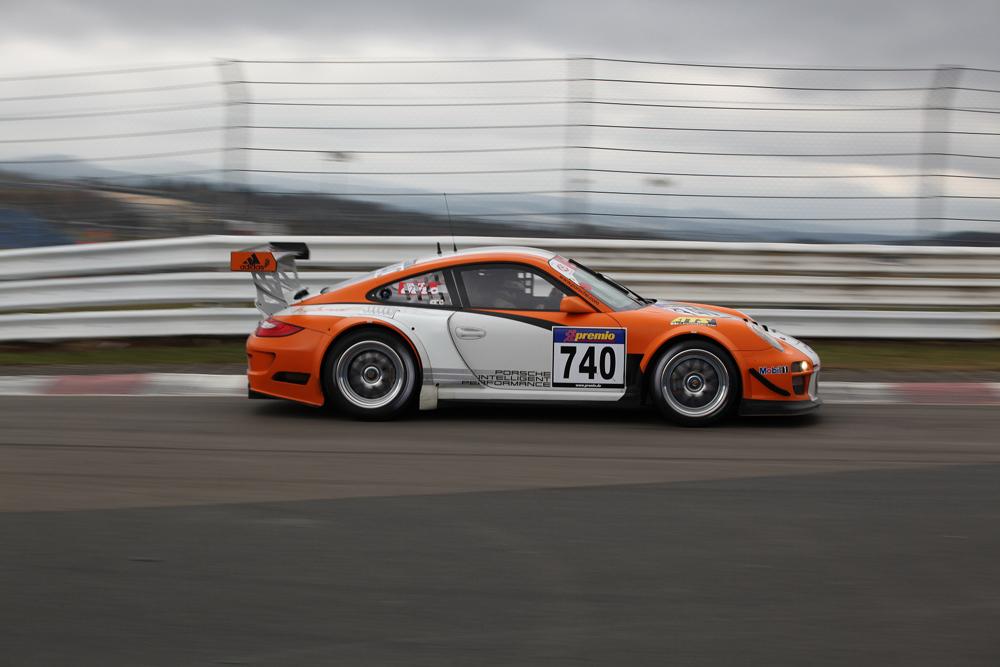 VLN .1 - Porsche Hybrid GT3R