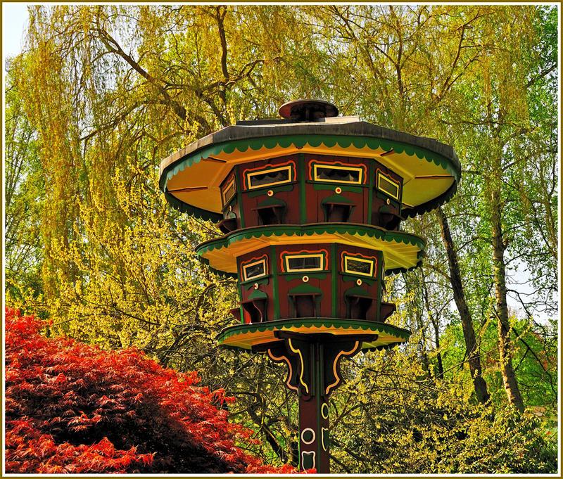 * Vogelhaus *