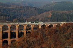 Vogtlandbahn auf der Göltzschtalbrücke