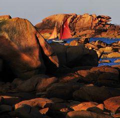 Voile entre les rochers