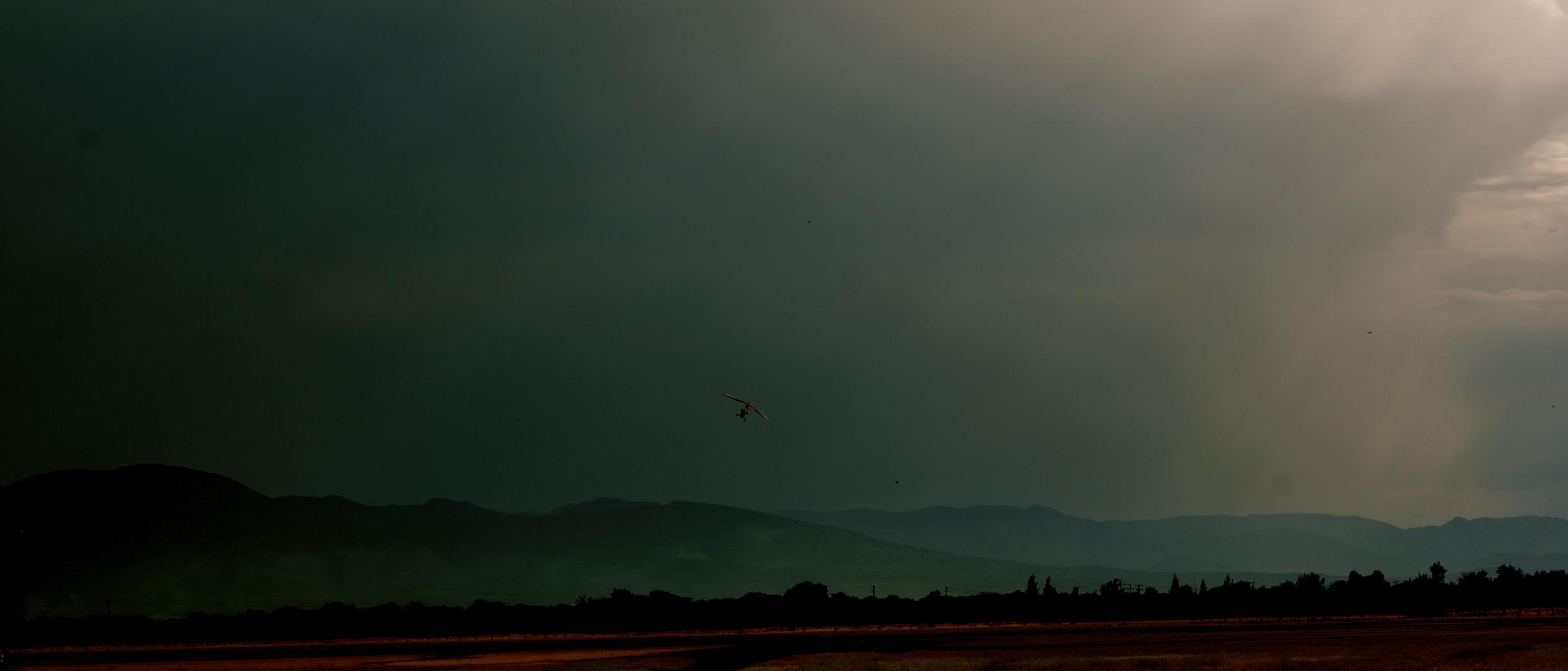 volando en la tormenta