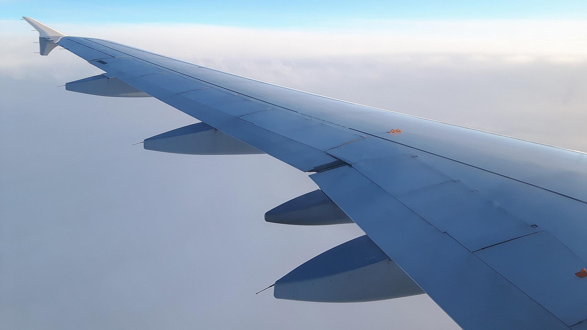 Volando via... / II