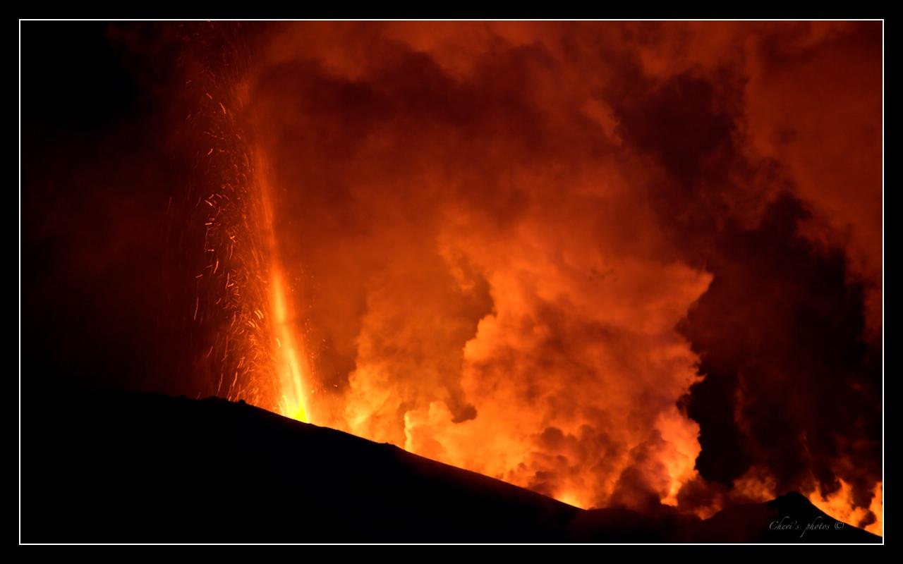 Volcano eruption in Eyjafjallajökull - Iceland 7