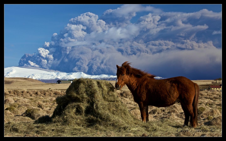 Volcano Eyjafjallajökull 2 - Iceland 17.4.2010