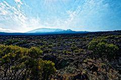 volcans éteints qui jalonnent les alentour de la fournaise