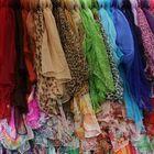 Volez foulards........Haut les couleurs!