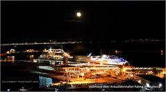 Vollmond über Kreuzfahrhafen Palma de Mallorca