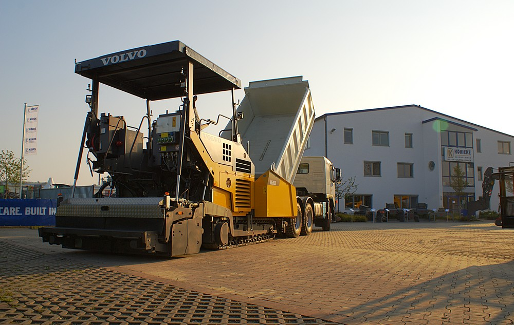 Volvo Fertiger ABG7820