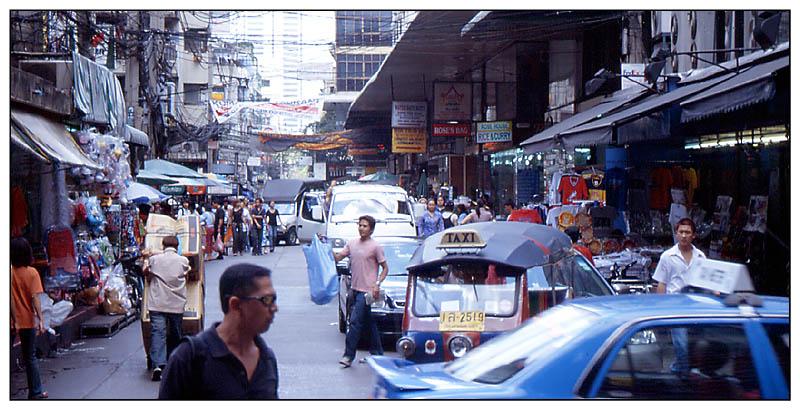 Vom Bayoke Sky Hotel zum Pratunam-Markt - Bangkok