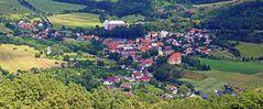 Vom Berg Ostry im Böhmischen Mittelgebirge ist dieser Blick auf Milesov entstanden...