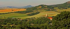 Vom Böhmischen Ort Sutom die Ruine in Vlastislav aufgenommen...