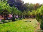 vom kleinen Park inmitten der Stadt